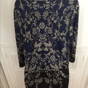 Beautiful tunic top perfect for all ages! Size 1X
